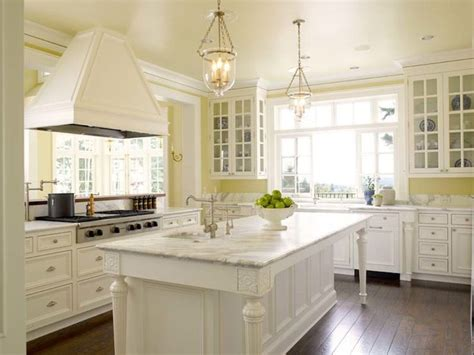 Yellow Kitchen Design Best 25 Yellow Country Kitchens Ideas On Pinterest Yellow Kitchens Yellow Kitchen Cupboards