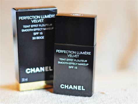 Chanel Perfection Lumiere Velvet Foundation perfection lumi 200 re velvet chanel akanksha redhu