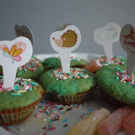 140958917x coffret cupcakes pour les enfants le coffret cupcakes pour les enfants aux editions usborne