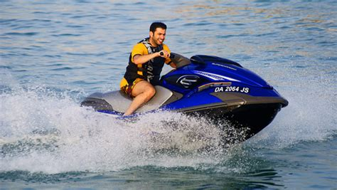 15 Menit Water Ski jet ski ski motor oleh watersportinbali