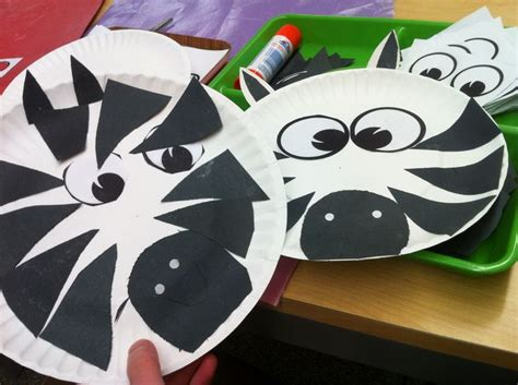 Zebra Paper Plate Craft - pin by vellani on prek