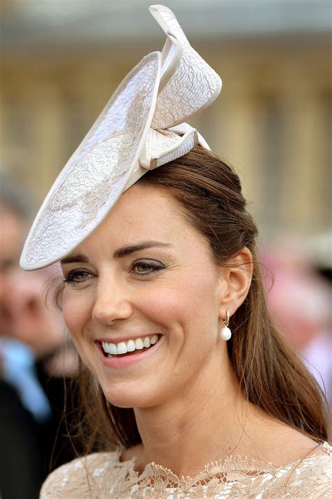 the designer of princess kate s favorite pearl earrings why designer annoushka ducas can t quit the jewelry biz