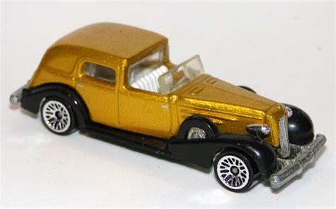 Hotwheels 1935 Cadillac 2004 Ungu Pride Rides Series 35 Classic Caddy Wheels Wiki
