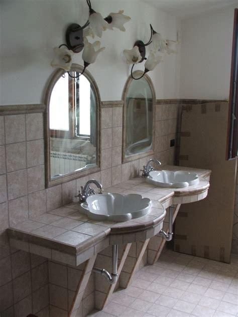 Bagno Patronale foto bagno patronale con piano lavabi in muratura di sp