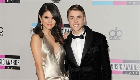 Justin And Together At The Grammys by Selena Gomez Justin Bieber Will Reunite At Tonight S