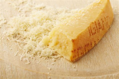 parmigiano reggiano cheese the difference between parmesan and parmigiano reggiano