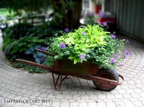 Creative Garden Art Planters With Wheels   Empress of Dirt