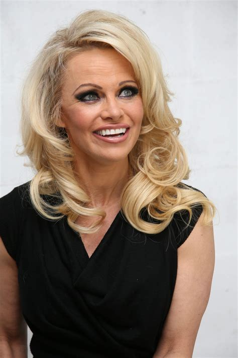 pamela anderson photos hd full hd pictures