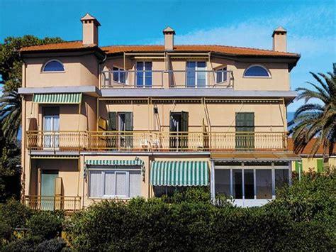 foto appartamenti vacanze appartamento villa alda foto pietra ligure