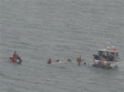dragon boat barrie dragon boat capsizes in barrie ctv barrie news
