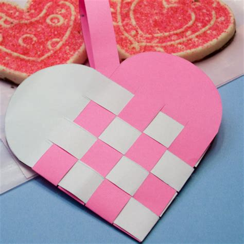 How To Make Woven Paper Hearts - how to make woven paper baskets s day