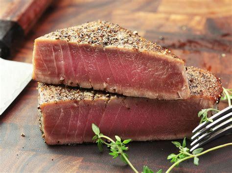 top 28 best way to cook tuna steak tuna steak with avocado and spinach yum pinterest