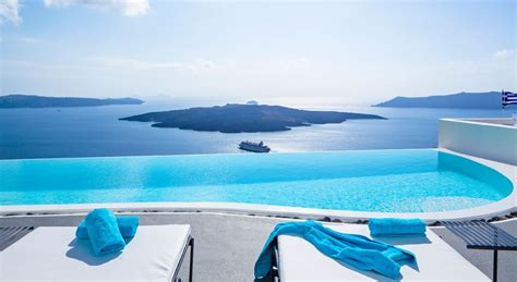 best luxury hotels santorini cosmopolitan suites luxury hotel in santorini greece slh