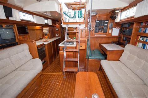 sailing boat inside 11 best liveaboard boat images on pinterest liveaboard
