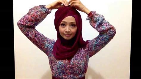 tutorial hijab turban layer 2 warna tutorial hijab pesta atau wisuda style hijab layer 2