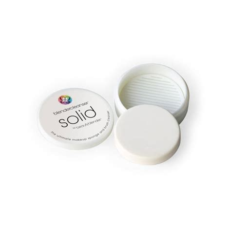 Blender White And Solid Cleanser blender solid cleanser robert jones academy makeup school makeup