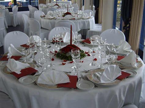 tischdeko hochzeit rosa weiß tischdeko runder tisch excellent vornehme tischdeko mit