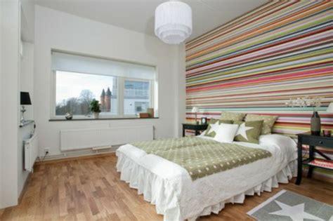 schlafzimmer wand hinter dem bett 25 dekoration ideen f 252 r die wand hinter dem bettkopfteil