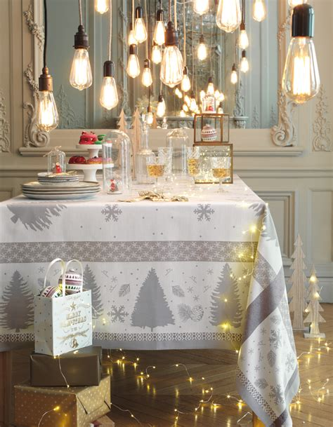Decorations Table De Noel by Une D 233 Coration De Table De No 235 L Lumineuse D 233 Co De Table