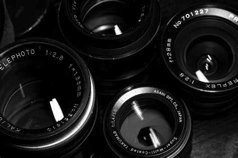 Lensa Canon Warna Putih gambar hitam dan putih roda berbicara satu warna lingkaran kamera refleks kamera digital