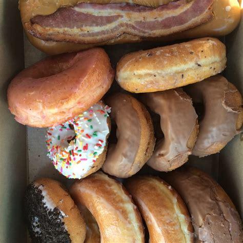the doughnut lincoln ne the doughnut 11 photos 23 reviews donuts 5600