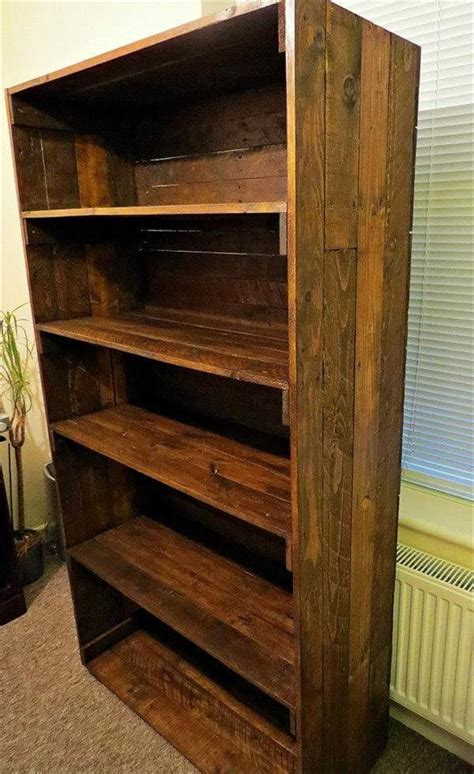 Bookshelf Out Of Pallets by Reclaimed Bookshelf Out Of Pallets 101 Pallets