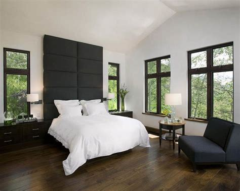 Hardwood Floors In Bedroom Home Decorating by 28 Master Bedrooms With Hardwood Floors Page 2 Of 6