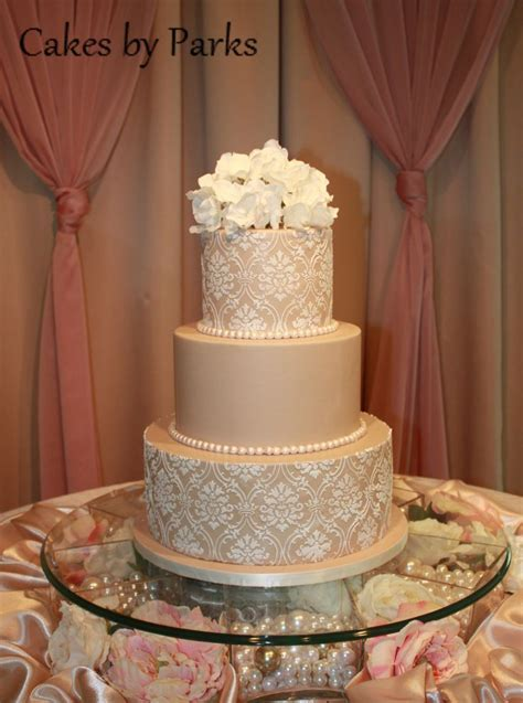 Champagne colored wedding cakes   idea in 2017   Bella wedding