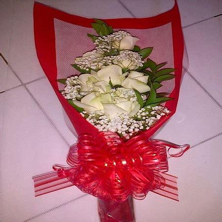 Bunga Wisuda Buket Bunga Hadiah Ulang Tahun Bunga Asli toko bunga papan murah berkualitas di florist