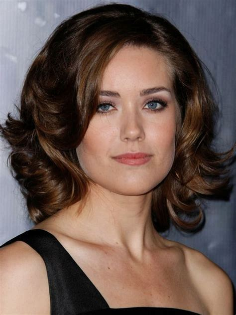 actress megan boone hair megan boone curly shoulder length hairstyles pinterest