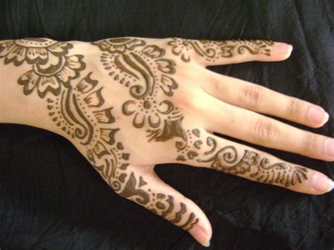 henna tattoo how to apply how to apply henna mehndi on your hands