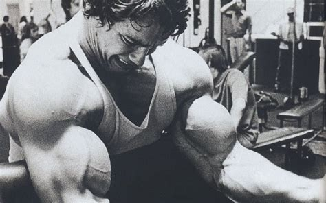 arnold schwarzenegger max bench press bigger biceps for a bigger bench press
