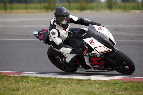 Motorrad Fahren Ab 16 by Freies Fahren Mit Dem Motorrad Am Slovakiaring Ab 88