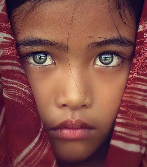 great portraits with no direct eye contact portrait 101 com zoom sur les plus beaux yeux du monde