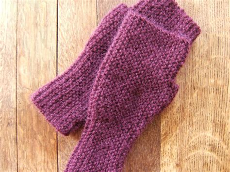what is garter stitch in knitting terms file garter stitch mittens jpg wikimedia commons
