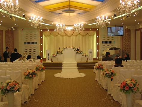 hall decoration wedding theme established and expressed by the wedding