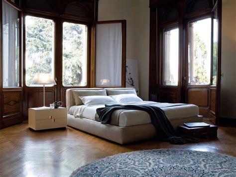 nachttisch für boxspringbett grau wohnzimmer in rot grau