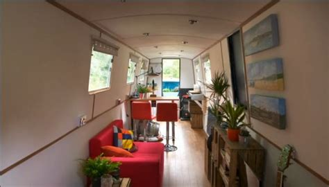 Narrow boat on George Clarke's Amazing Spaces   Amazing