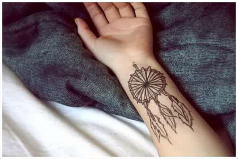 small dreamcatcher tattoo on wrist dreamcatcher drawing catchers drawings small