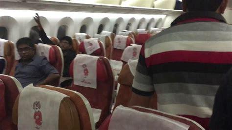air india boeing 787 8 dreamliner to singapore economy