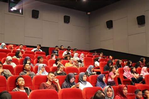 cinemaxx plaza indonesia nonton film favorit cashback 99 99 di cinemaxx iconews