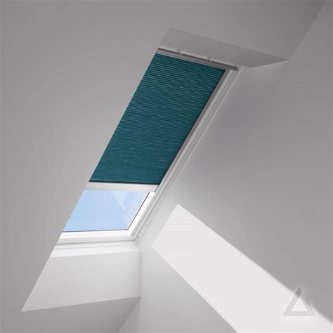 Velux Dachfenster Elektrisch by Velux Plissees Faltstores Im Dachgewerk Dachfenster Shop