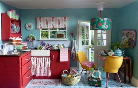 how do you make a doll house 20 clever things you can do with a shoebox