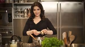 nigella brings the spirit of italian cooking home