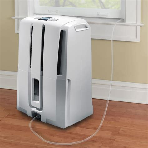 how does a dehumidifier work