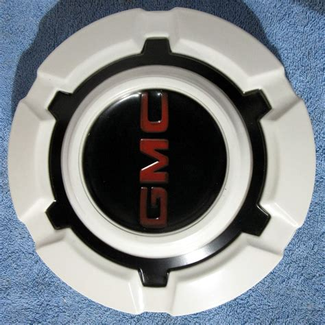 gmc hub caps 1968 gmc hubcaps autos post