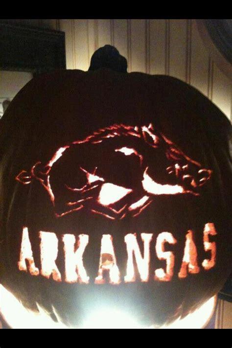 awesome razorbacks carved pumpkin arkansas razorbacks