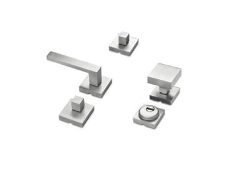 maniglie porte ingresso maniglia per porte d ingresso in metallo ku bino by metalnova