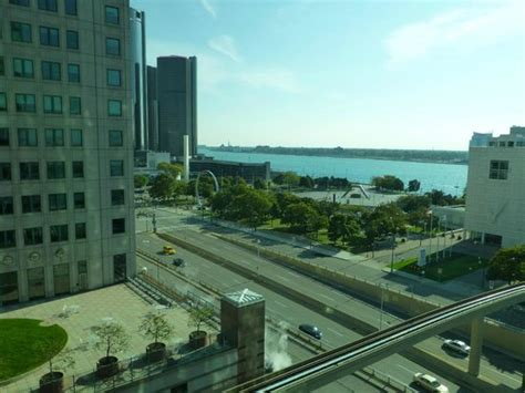 crowne plaza detroit view from room picture of crowne plaza detroit downtown