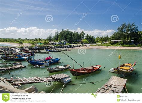 buy a fishing boat in thailand thai fishing boat stock photo cartoondealer 21589734